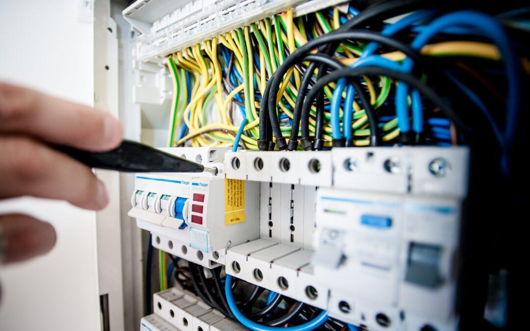 Servisní technik – Elektrikář s vyhláškou 50